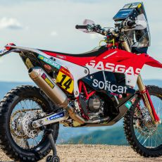 Laia_Sanz_GasGas_Factory_Racing_RC_450F_Dakar2020_Team_Shoot_113